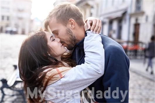 Pierwsza randka z pocałunkiem czy bez?